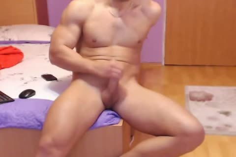 excited Romanian Model From Webchat Caught In Free Show