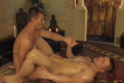 chap acquires His ass Fingered By Jacked hottie
